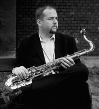 USE THE MOMENT: Rostislav Fraš Band